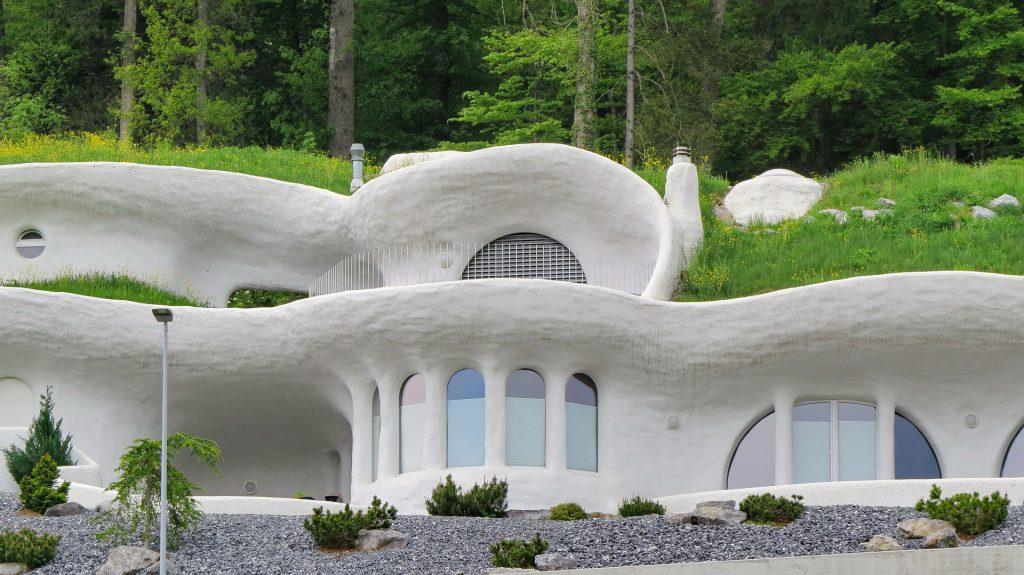 Une maison d'architecte ronde et étrange